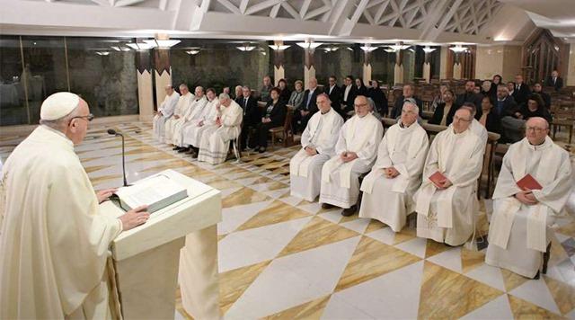 PapaFranciscoSantaMarta_VaticanMedia_08012018