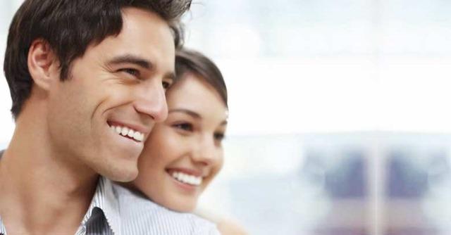 esposos-sonriendo-matrimonio-feliz-090218