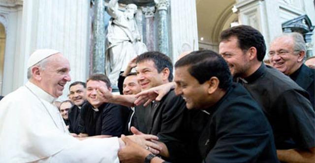 llamar-padre-sacerdotes