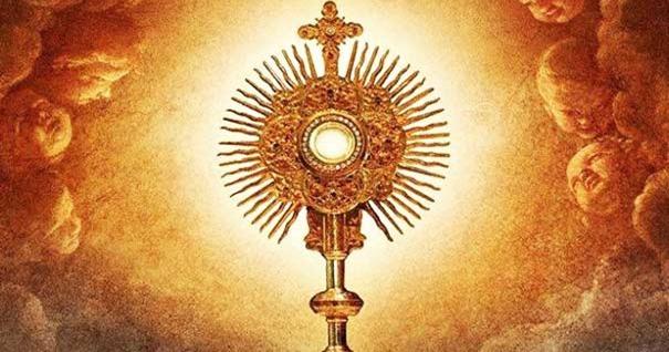 custodio-santa-eucaristia-hostia-sagrada-altisimo
