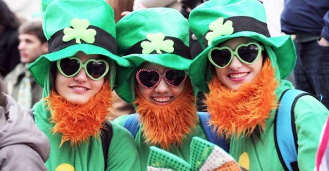 fiesta-de-san-patricio-mujeres-vestidas-de-verde