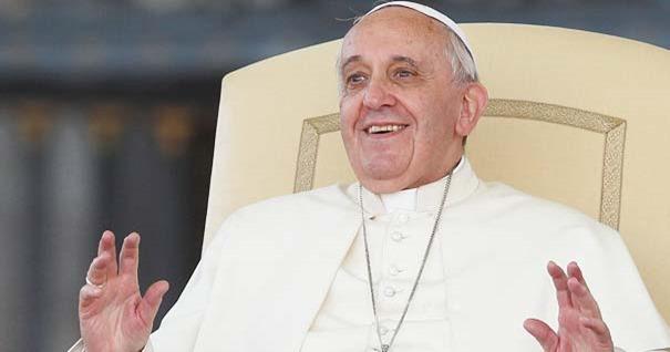 papa-francisco-alegria-sonrisa-dios-no-descarta-es-amor